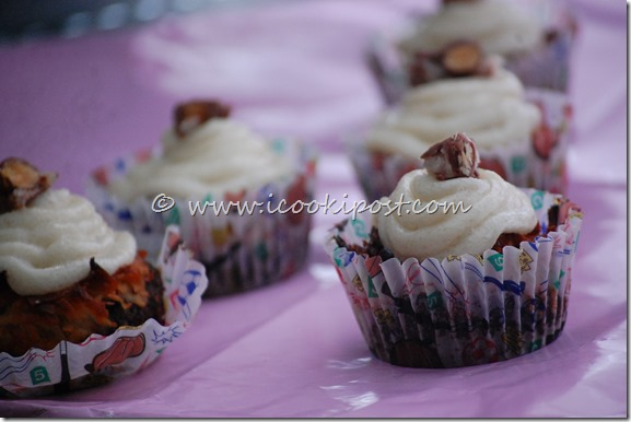 Chocolate Almond joy cupcakes (5)